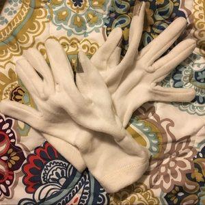 Old navy white fleece tech gloves (NWOT)